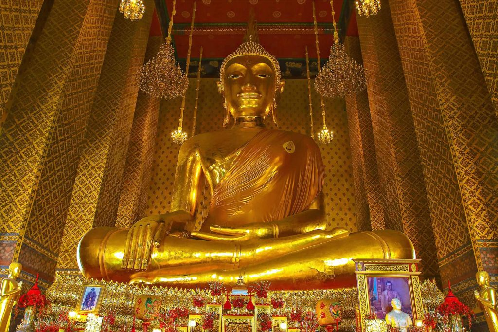 The golden Buddha statue at Wat Kalayanamit, Thonburi, Bangkok, Thailand
